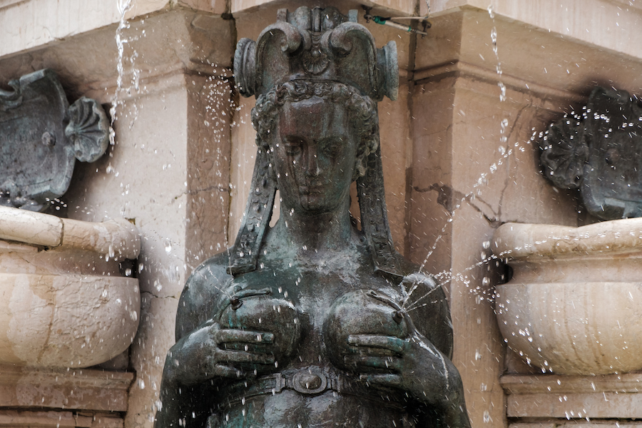 Piazza Nettuno, Neptune Fountain - Bologna, Italy Things to Do – Travel Photography by Ben Holbrook from DriftwoodJournals.com19