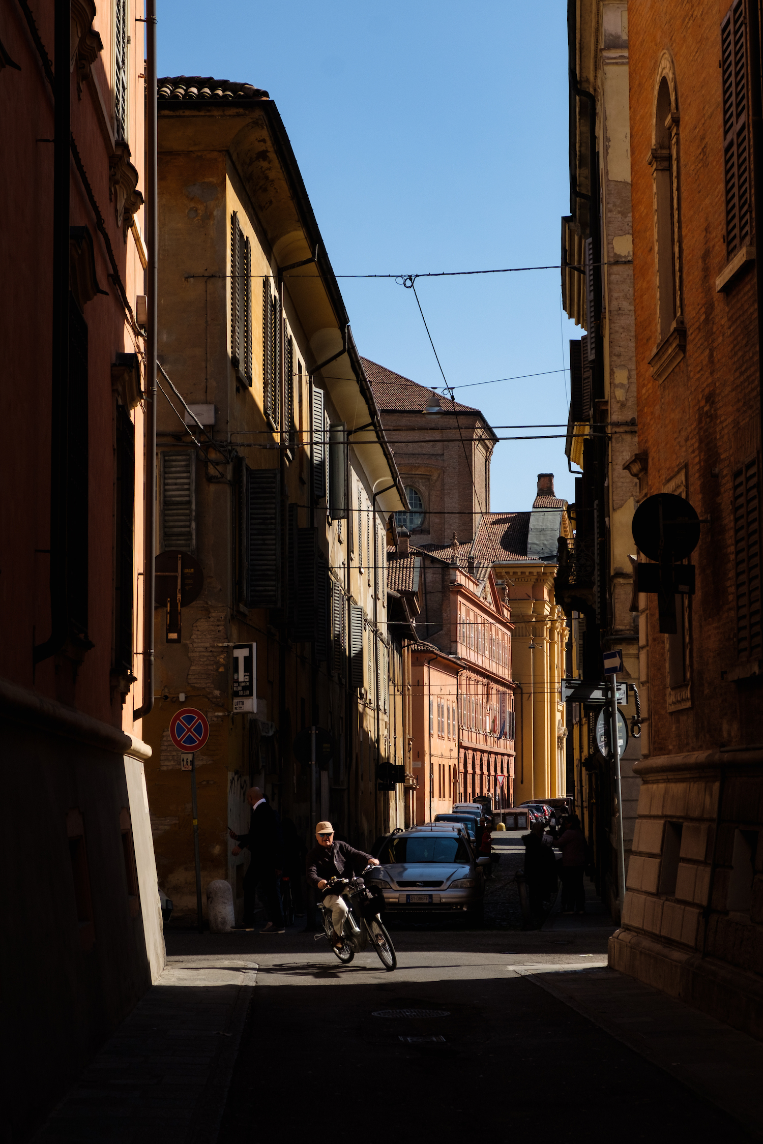 Cycling in Modena - Travel and Street Photography by Ben Holbrook from DriftwoodJournals.com-5493